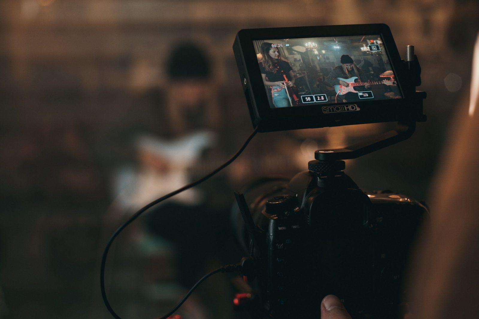 como crear videos virales y aprovechar las tendencias